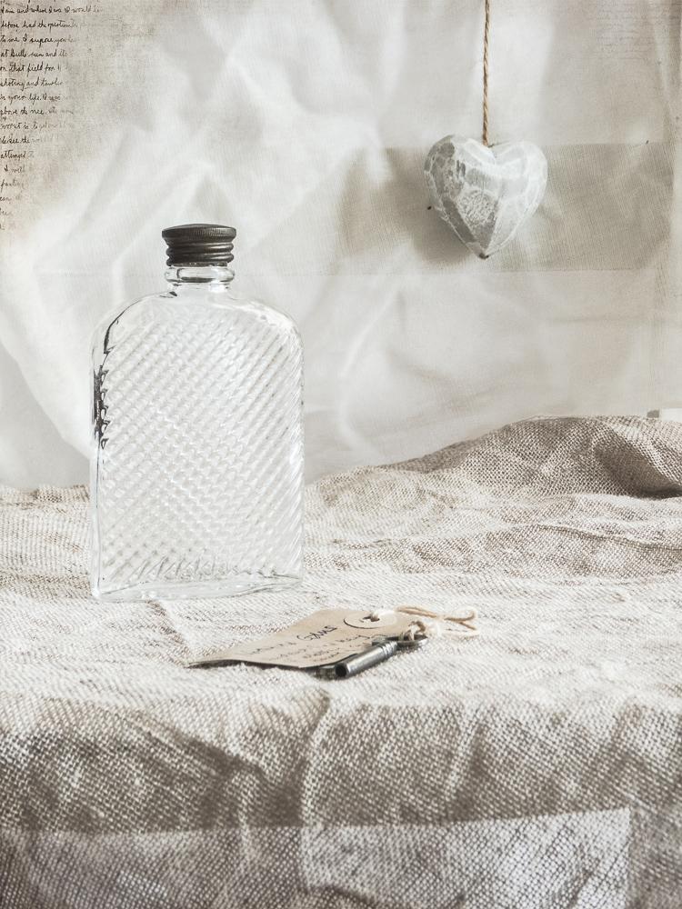 perfumebottleweek27-1010581
